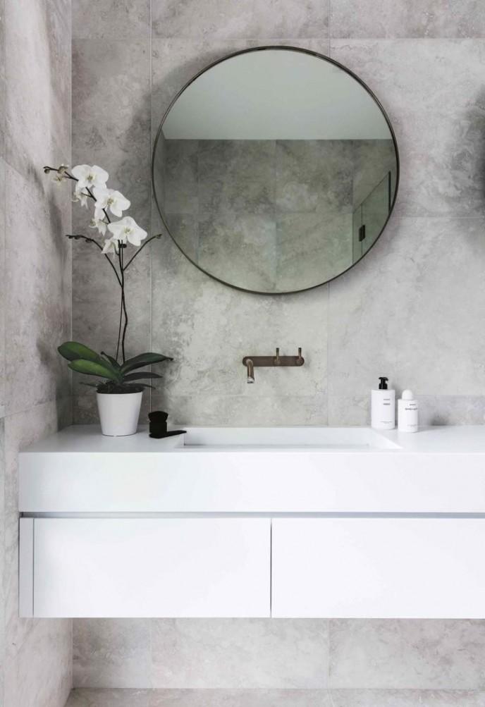 گیاه ارکیده در حمام و سرویس بهداشتی