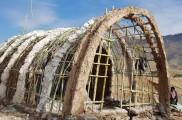 ساخت کومه برای زلزله زدگان کرمانشاه