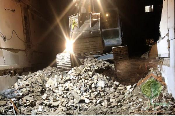 3-فاکتور-مهم-در-انتخاب-تیم-تخریب-ساختمان