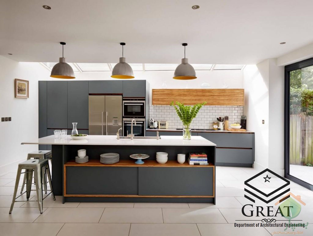 تصویر شماره  دکوراسیون آشپزخانه با کابینت های گلاس خاکستری