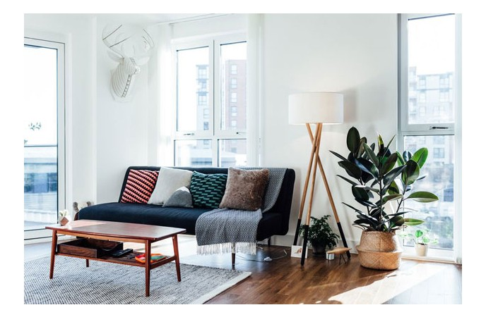 اتاق نشیمن کوچک و ساده